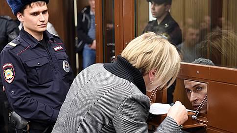 В дело «Суммы» добавили рукопашки // Заочно арестован начальник охраны Зиявудина Магомедова