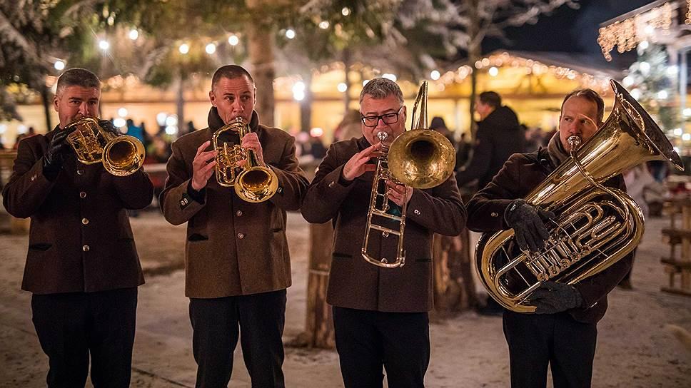 Мало какая мелодия 200-летней давности оказалась столь же популярной, как «Тихая ночь», главный музыкальный атрибут европейского Рождества