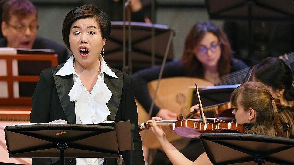 Дебютировавшая в Москве Ньян Ван не уступила в виртуозности своим знаменитым коллегам по барочному вокалу