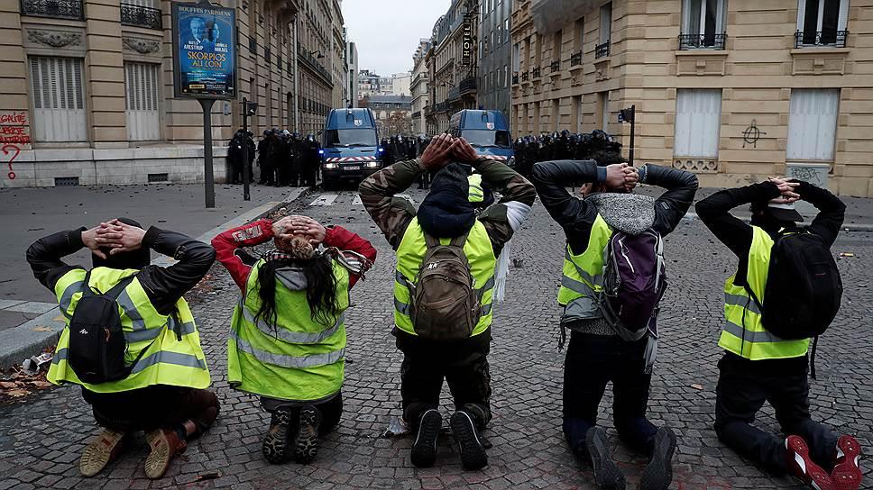 Правительство Франции ужесточит наказание за участие в несанкционированных акциях