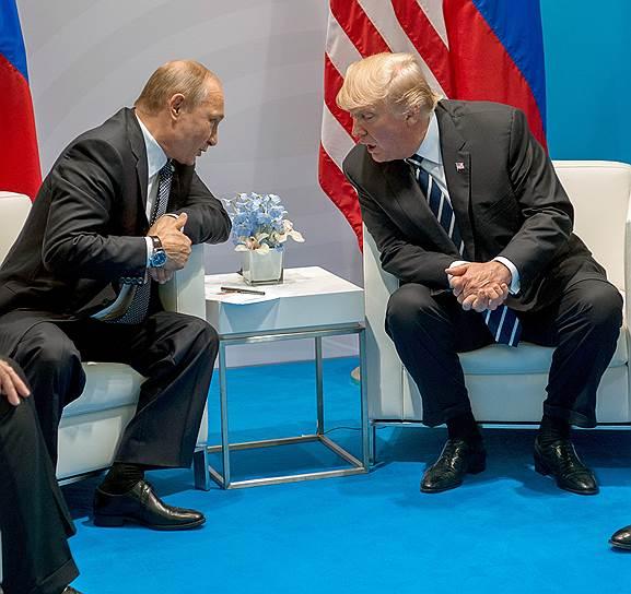 По информации The Washington Post, президент США Дональд Трамп делает все, чтобы скрыть содержание его переговоров с Владимиром Путиным даже от своей администрации