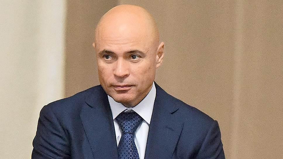 Игорь Артамонов в партии не состоит, но от поддержки ее наверняка не откажется