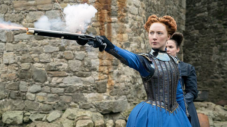 В российском прокате фильм назван «Две королевы», но по-настоящему главная героиня в нем одна — Мария Стюарт (Сирша Ронан)
