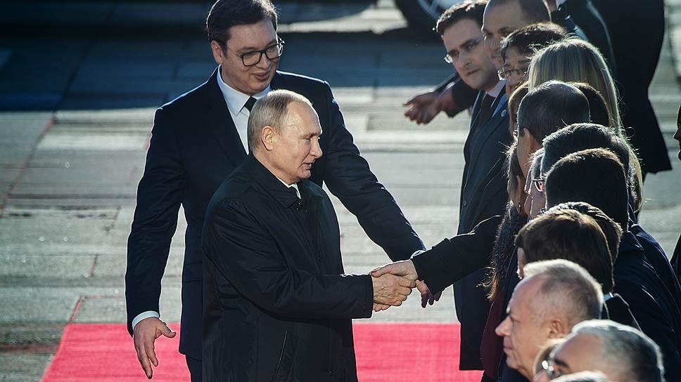 Как Александр Вучич в Сербии с удовлетворением стал тенью Владимира Путина
