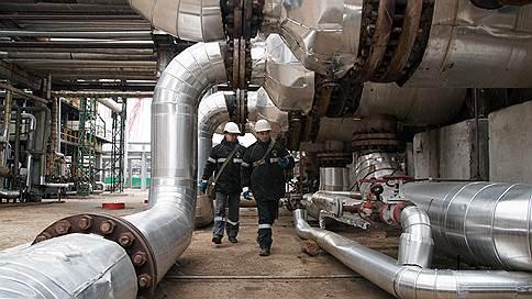 Независимым НПЗ обещали льготы // Но заводы должны вложить в модернизацию 300 млрд рублей