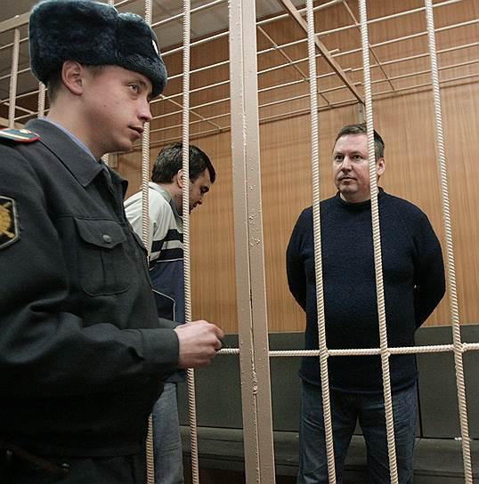 Александр Тугушев (справа)