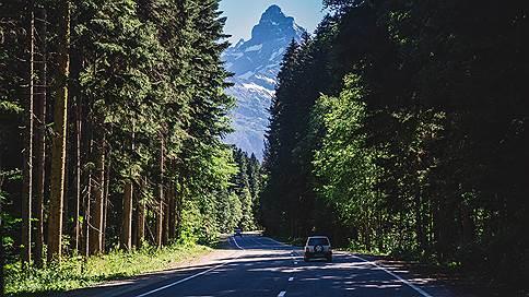 Прокуроров позвали в заповедные горы // «Гринпис» обнаружил строительство дороги на территории объекта всемирного наследия