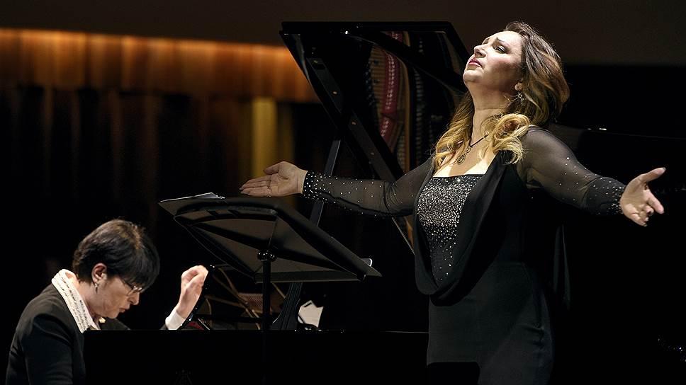 Необязательная камерная лирика у Барбары Фриттоли звучит так же серьезно и величаво, как большие оперные партии