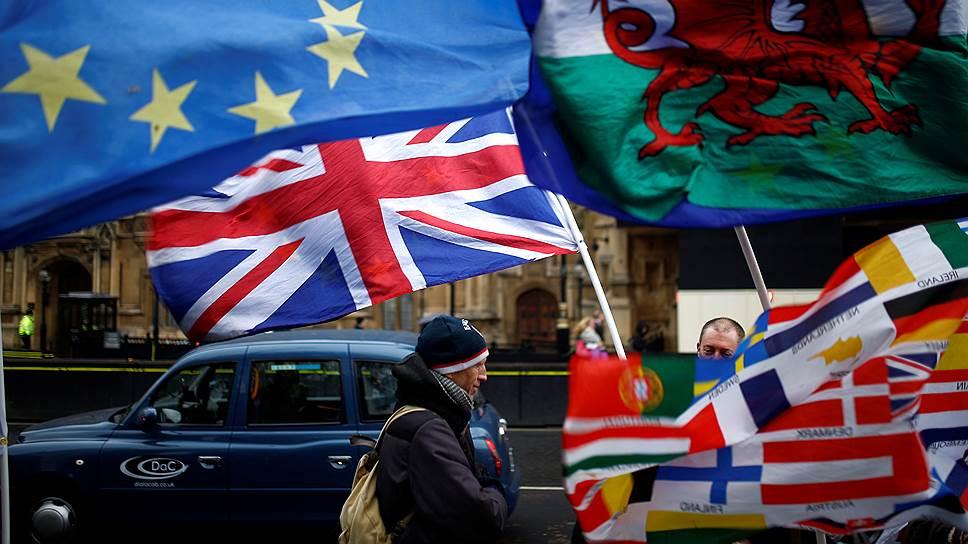 Как британские парламентарии спорят о путях выхода из ЕС