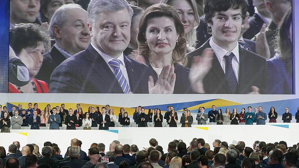С какой программой Петр Порошенко идет на выборы