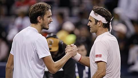 Аллея Роджера Федерера, которая ведет в Мадрид // Сам выдающийся теннисист участия в матче сборных Швейцарии и России не примет photo