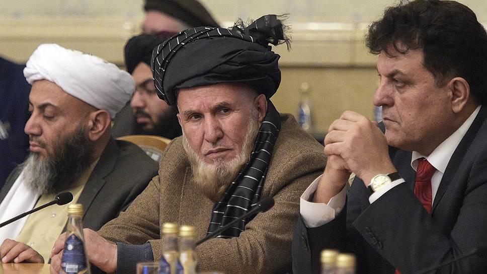 Начавшаяся вчера конференция в «Президент-отеле» внешне выглядела как внутриафганская встреча, да и по сути являлась таковой