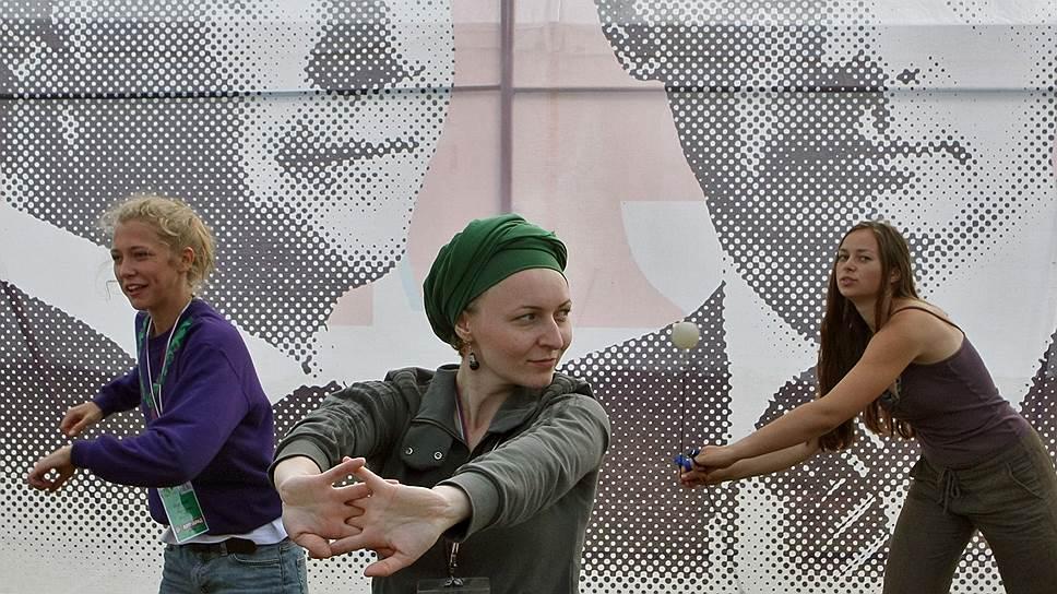 Отказ от нездорового образа жизни, согласно стратегии Минздрава, должен происходить в России скорее добровольно, чем принудительно