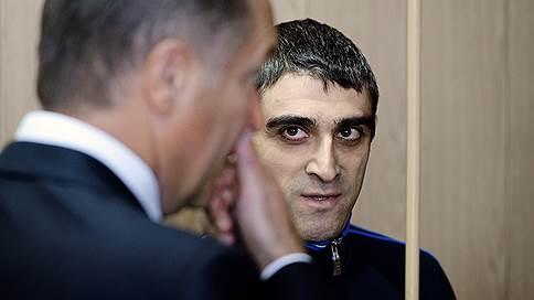 Бывшему вице-президенту Росгосстраха отмыли обвинение  / ФСБ добавила Сергею Хачатурову еще одну статью