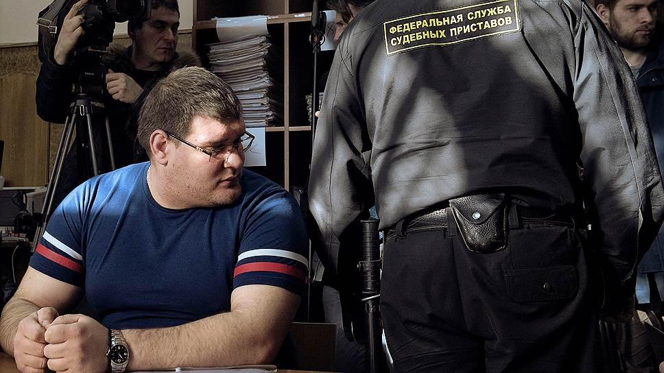Олег Мардарь (слева) узнал об изъятии органов у своего брата из судебно-медицинского исследования трупа