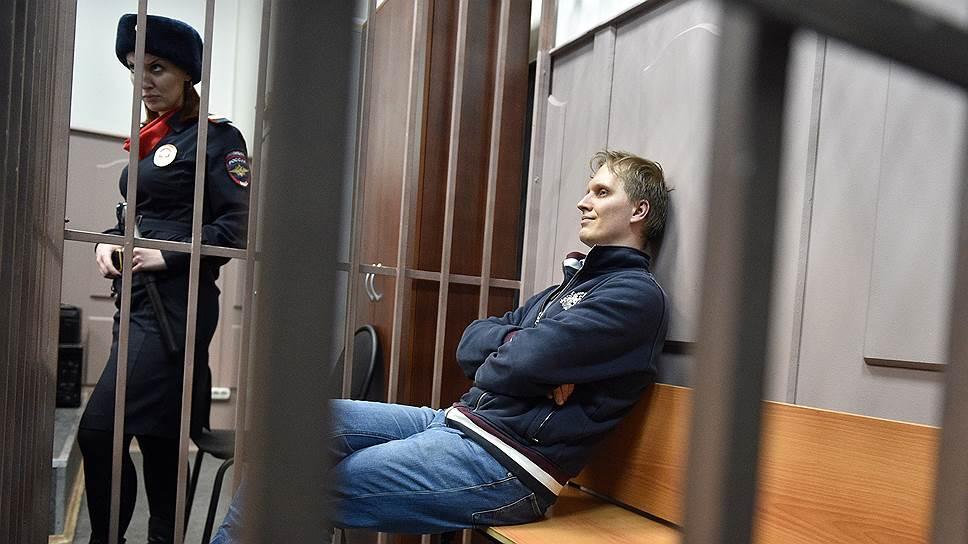 Иван Зюзин стал одним из первых фигурантов дела о хищении в банке «Восточный экспресс», которому предъявили обвинение