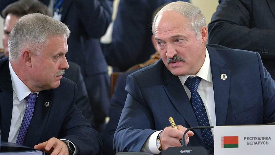 Власти Белоруссии уверены, что переговоры на разных уровнях в итоге все-таки приведут к утверждению Станислава Зася (слева) на пост генсека ОДКБ