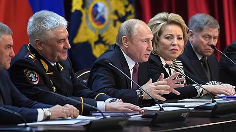 Полиции указали путь в экономику  / Владимир Путин объяснил, как МВД должно работать с бизнесом
