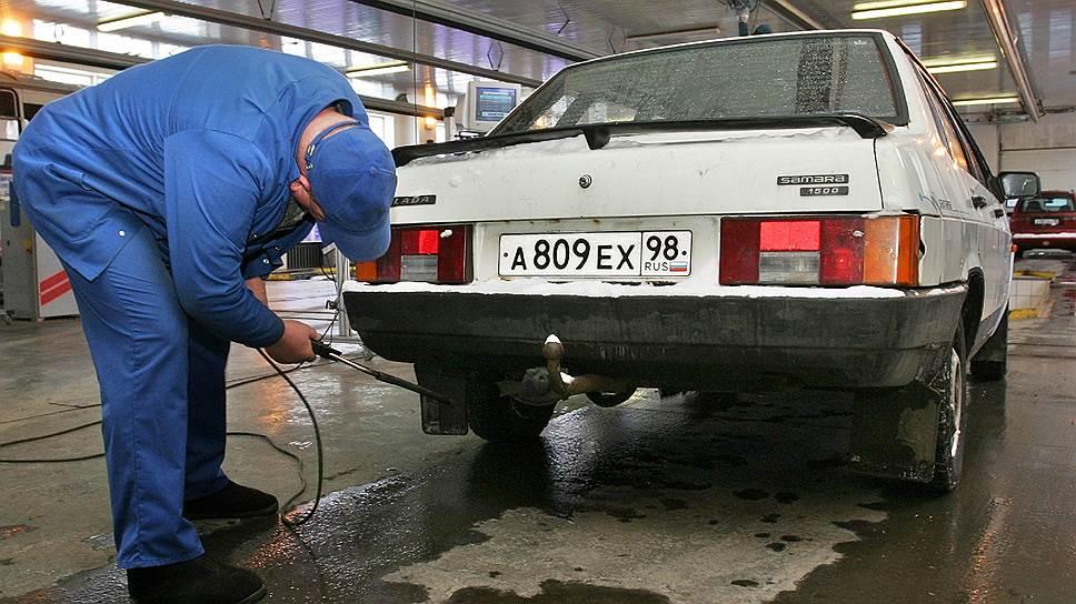 Определить экологический класс многих машин в Москве и Петербурге будет труднее, чем установить границы чистых зон