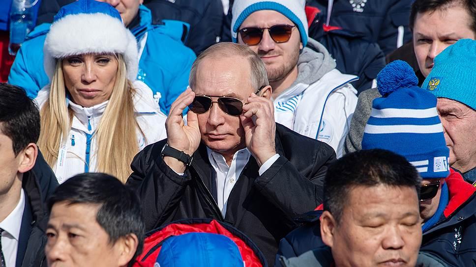 Места для почетных гвоздей / Чем на Универсиаде в Красноярске приковывали внимание Владимира Путина