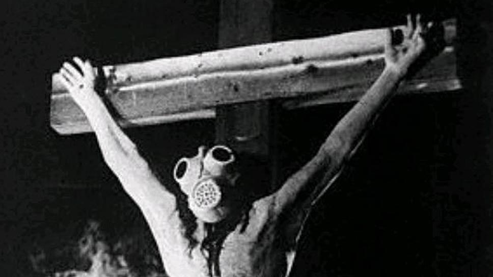 В «Обломок империи» после семи лет реставрации вернулись хрестоматийные кадры