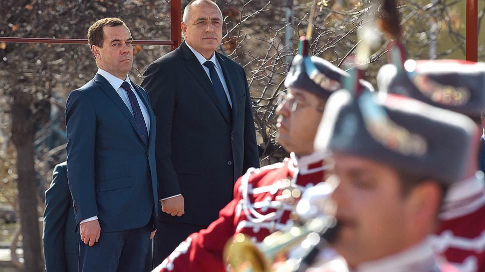Глава правительства РФ Дмитрий Медведев и премьер-министр Болгарии Бойко Борисов на переговорах в Софии строили планы возвращения к прежним показателям взаимной торговли