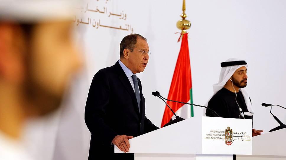 Министр иностранных дел России Сергей Лавров (слева) и глава МИД ОАЭ Абдалла бен Заид Аль Нахайян
