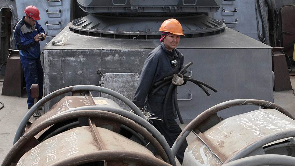 Зеленодольский судостроительный завод (на фото), попавший под санкции США, строит малые ракетные корабли и патрульные корабли для ВМФ РФ