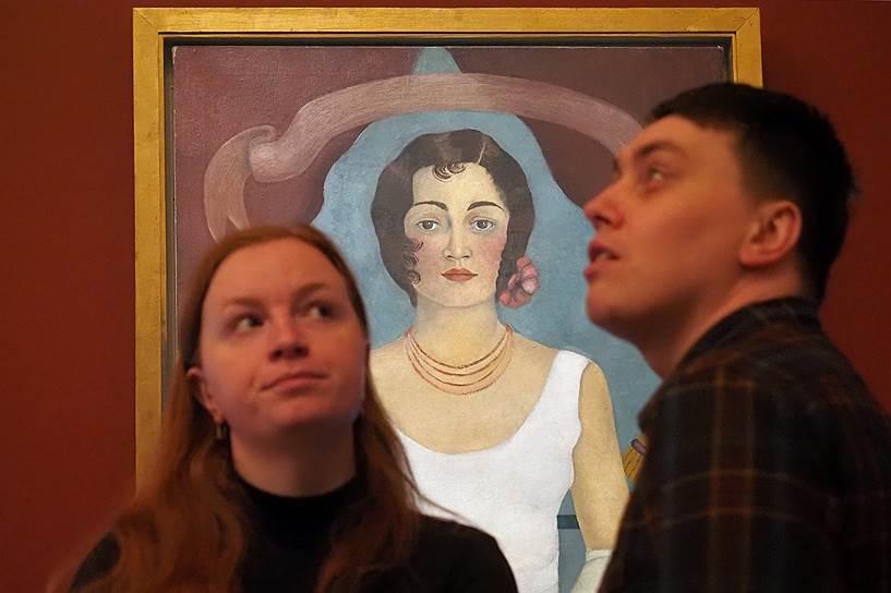Выставка рассказывает нечто новое о Фриде и слегка разочаровывает публику в отношении ее знаменитого мужа