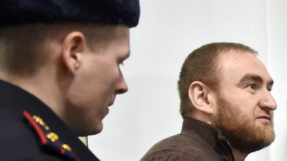 Рауф Арашуков настаивал, что не имеет отношения к инкриминируемым ему преступлениям, но суд не убедил