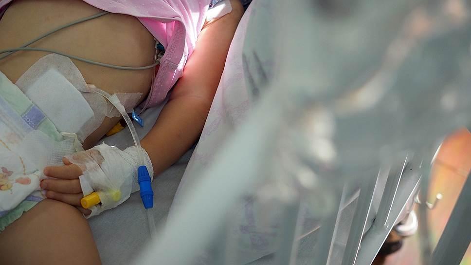 Что эксперты Роспотребнадзора сочли наиболее вероятным источником инфицирования детей, проходивших лечение в АОДКБ