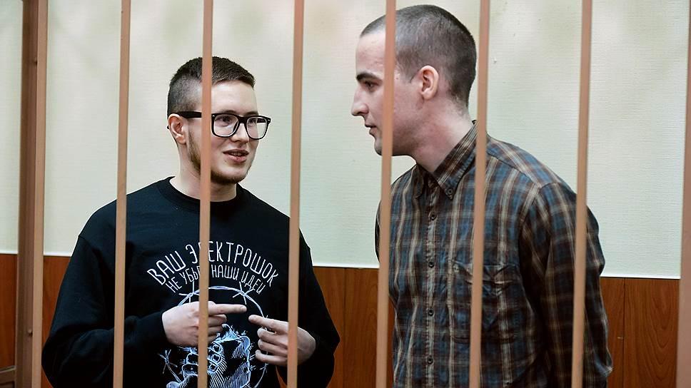 Следствие полагает, что в террористическом сообществе Виктор Филинков (слева) взял на себя функции «связиста», Юлий Бояршинов (справа) — «сапера»