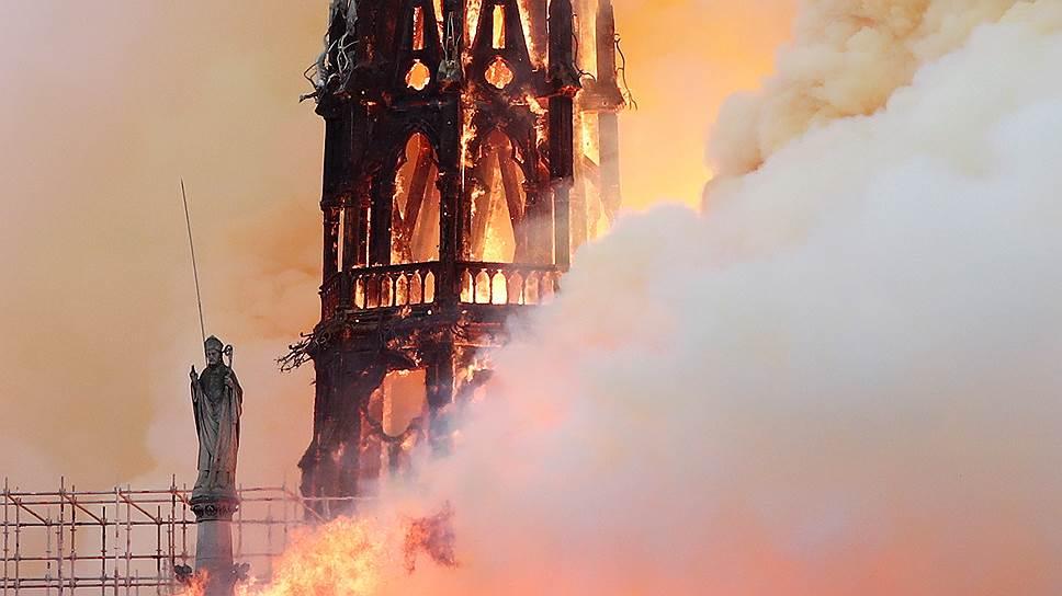 Президент Франции Эмманюэль Макрон заявил: когда горел Нотр-Дам, «горела часть всех нас»
