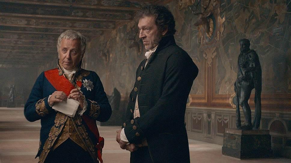 Бывший уголовник Видок (Венсан Кассель, справа) чувствует себя привольно не только на парижском дне, но и во дворцах