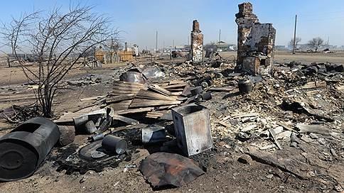 Пожар раздует штормом // Огонь в Забайкалье может вернуться в населенные пункты