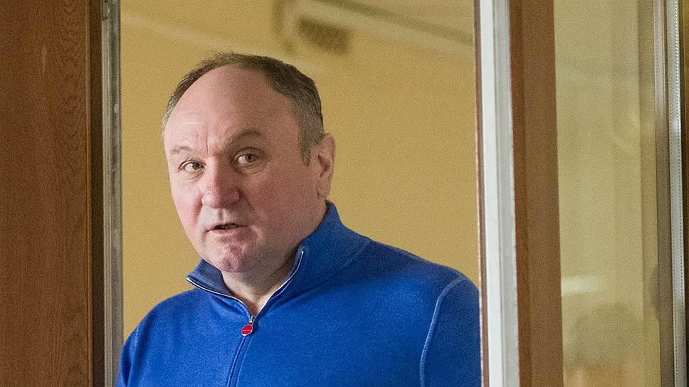 Как следует из записей телефонных разговоров Александра Дацышина, он отказался содействовать генералу Леденеву