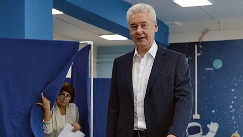 Отдать деньги кандидатам станет проще  / Московские депутаты меняют систему голосования и финансирования кампании