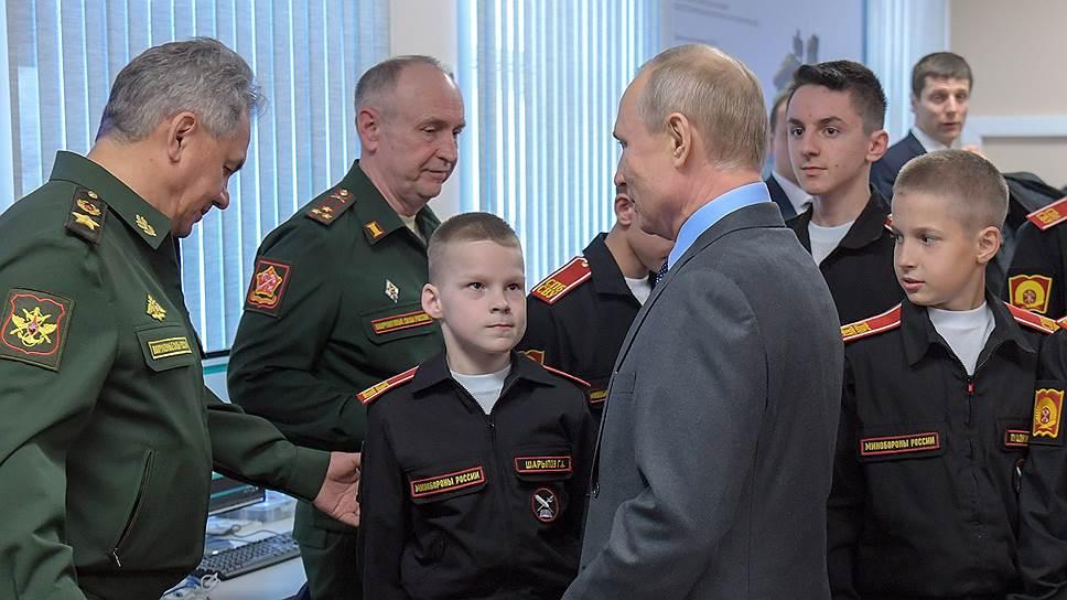 Воспитанники училища в общении с Владимиром Путиным показывали себя настоящими суворовцами