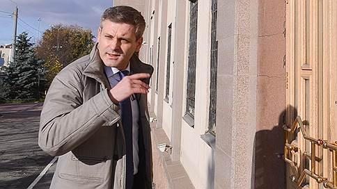Экс-сенатор переспорил колонию строгого режима  / Суды и прокуратура отменили восемь взысканий Константину Цыбко