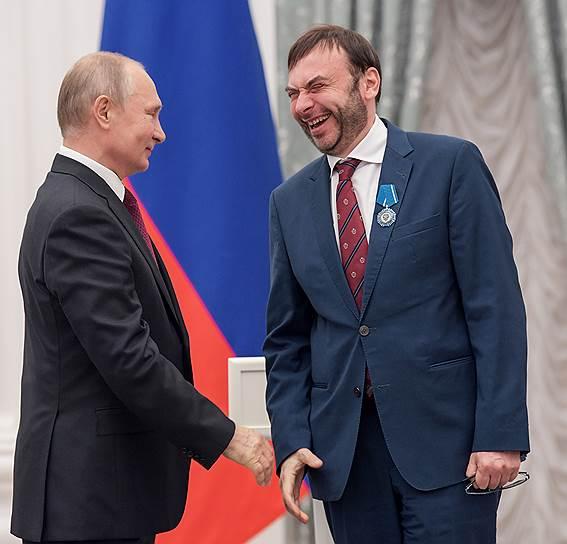 Художественный руководитель «Геликон-оперы» Дмитрий Бертман был воодушевлен наградой в этот день, как никто другой