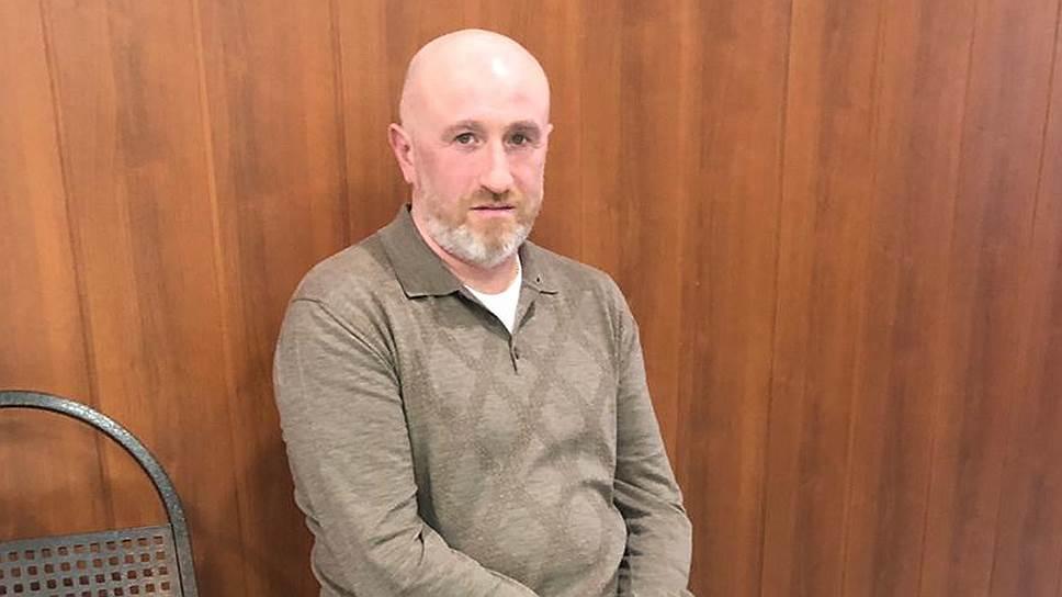 После предъявления нового обвинения у Юрия Тузова, по словам его адвокатов, значительно ухудшилось здоровье