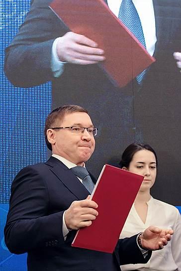 Главе Минстроя Владимиру Якушеву удалось уговорить правительство на временный возврат старой системы расчета смет госстроек — она будет применяться до 2022 года