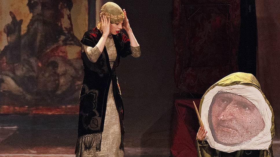 Героиня Аурелии Тьерре оживляет все, к чему прикасается, в первую очередь — шедевры мировой живописи