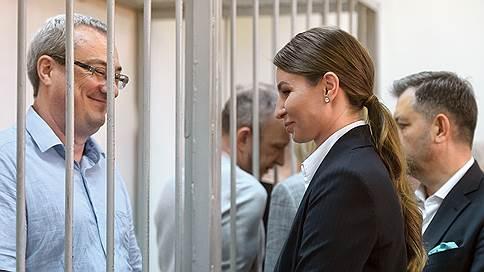 Тройка судей не признала ОПС  / Экс-глава Коми оправдан по обвинению в оргпреступности, но осужден за коррупцию и хищения
