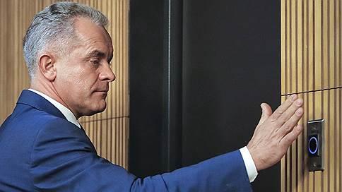 Вакуум олигархизма в Молдавии // Новые власти начали процесс освобождения госструктур от людей Владимира Плахотнюка