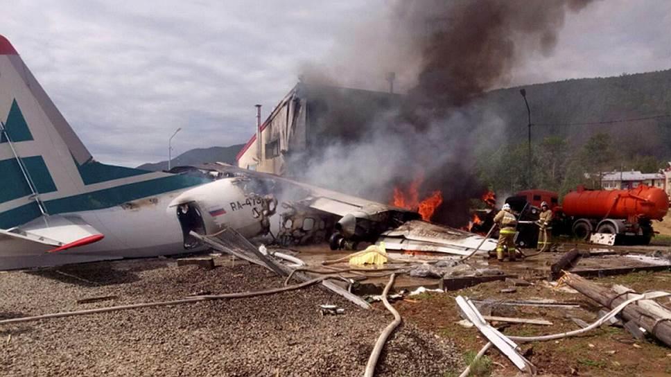 Ан-24 сгорел после посадки