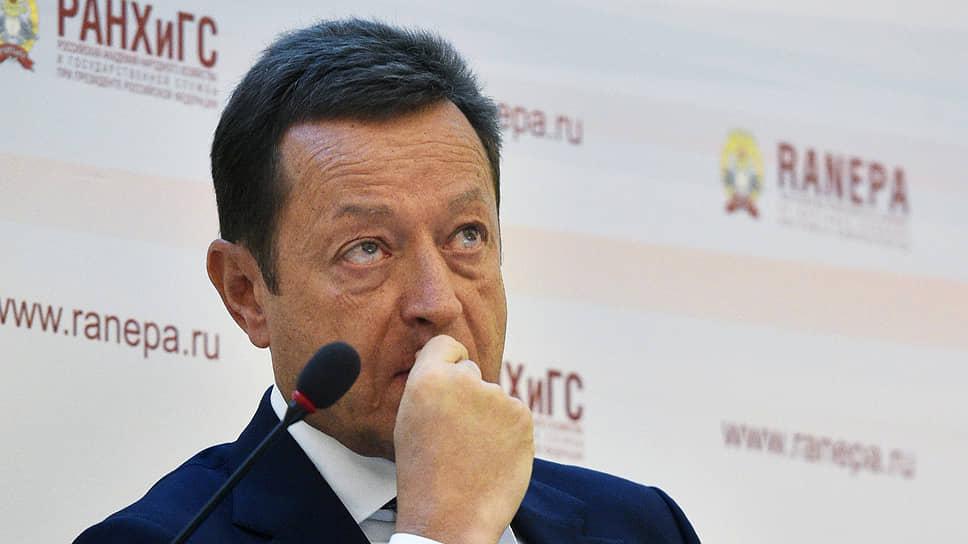Комиссия РСПП по ЖКХ под руководством Александра Чуваева и регуляторы рынка так и не пришли к общему мнению, отменять индивидуальные счетчики тепла или ставить их везде