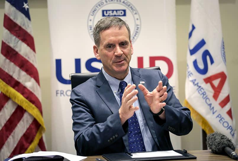 Директор USAID Марк Грин без обиняков заявил, что миссия его организации — предоставление партнерам и союзникам США «дополнительных инструментов» для борьбы со злонамеренным влиянием России