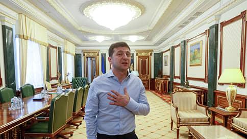 Украина начинает с чистого лица // Принят новый избирательный кодекс и могут быть внесены поправки в закон о люстрации