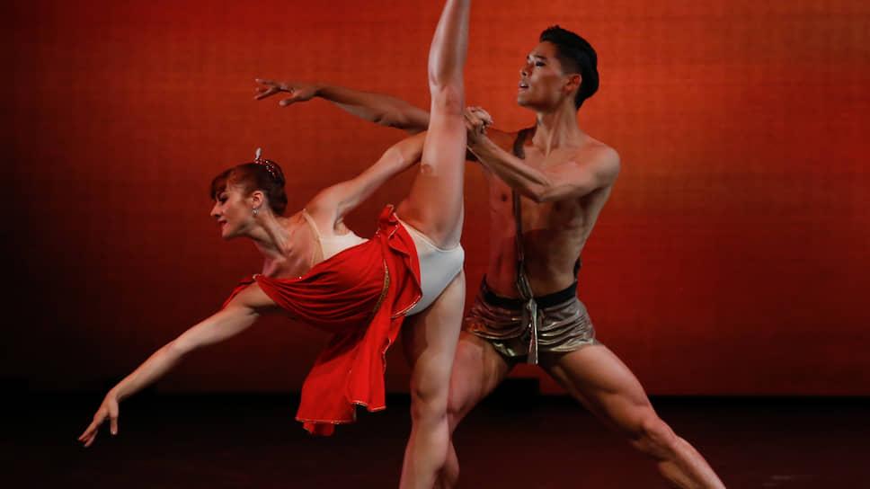 Ребекка Сторани и Юн Гуй Чхве танцевали эффектно, но как заблагорассудится